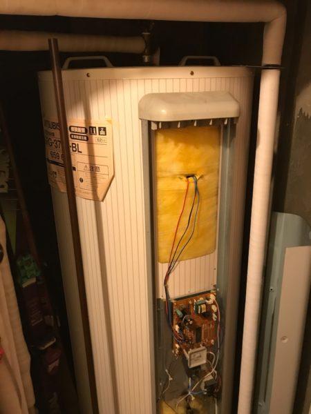 川崎市川崎区マンション電気温水器交換工事 三菱『SRG-3744-BL』⇒日立『BE-L37E』へ取替