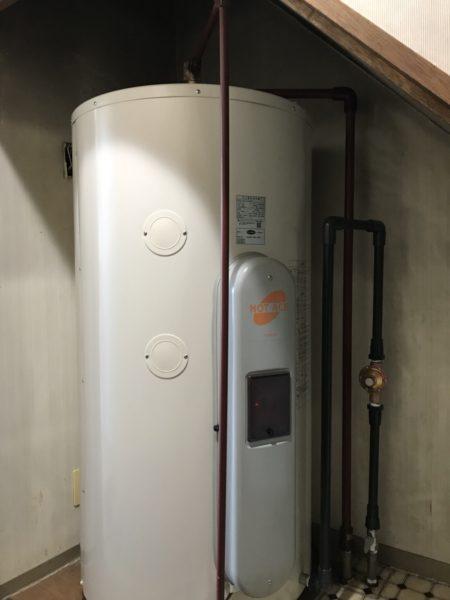 横浜市戸塚区マンションの電気温水器取替・交換 東芝『HPL-TL374M』⇒日立『BE-L37E』