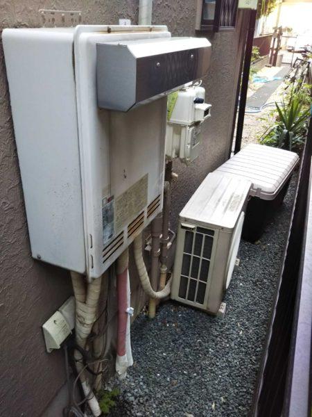 東京都荒川区でガス給湯器交換工事 リンナイ『RUF-2008SAW』→リンナイ『RUF-A2005SAW + 側方排気アダプタ』