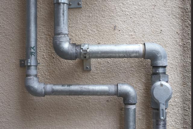 ガス管からガス臭いにおいがする